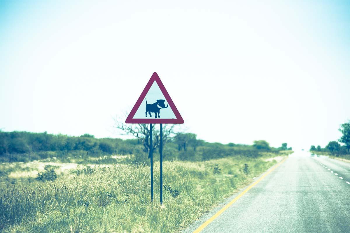 Straßenezeichen in Namibia