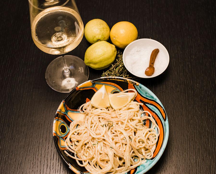 Spaghetti mit cremiger Zitronensauce